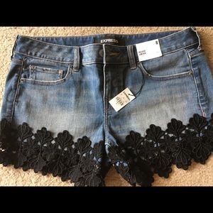 Low Rose relaxed Express Jean shorts
